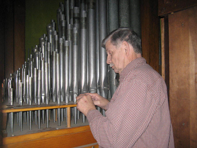 Pipe organ tuning - Richard Dowling